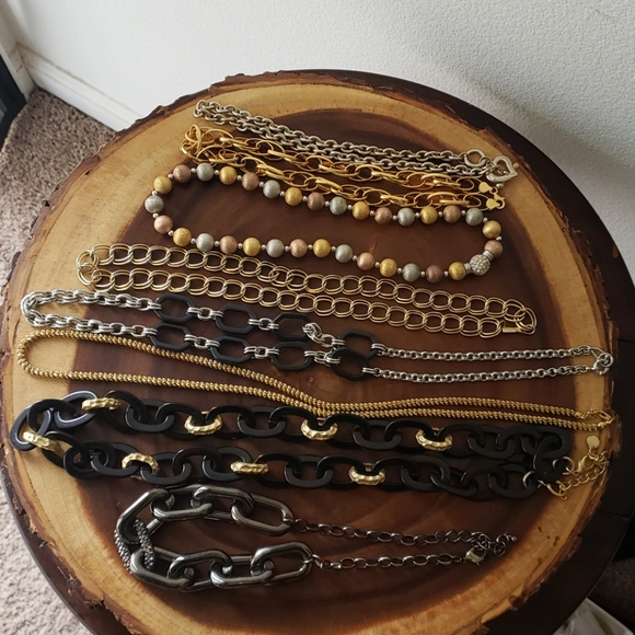 Necklaces lot of 8